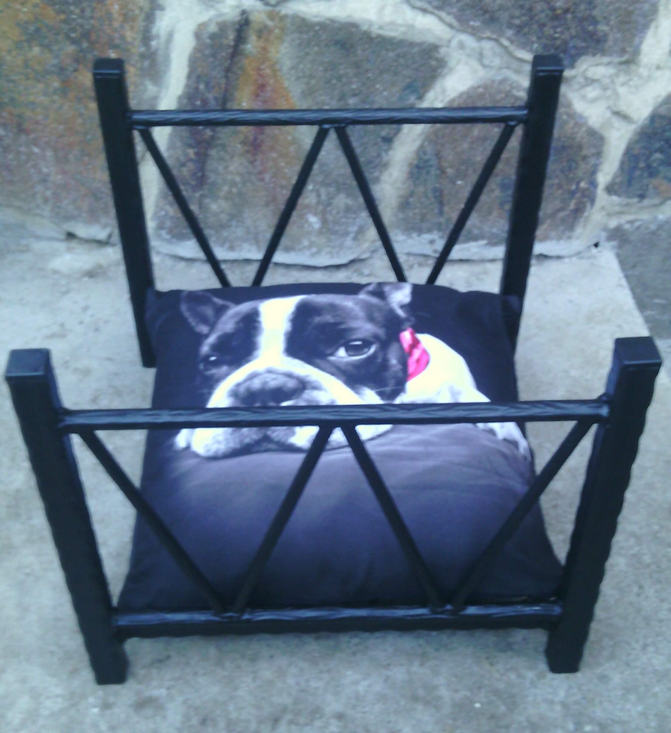 Kovová posteľ pre psa, Kovová postel pro psa, Metal dog bed, Hundebett aus Metall